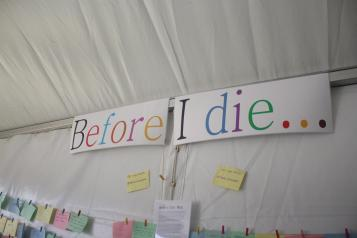 A sign saying before I die